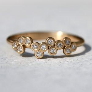 טבעת זהב 18K אשכול יהלומים