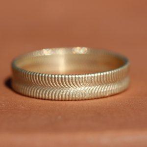 טבעת זהב קלועה
