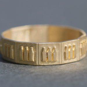 טבעת זהב ריבועים
