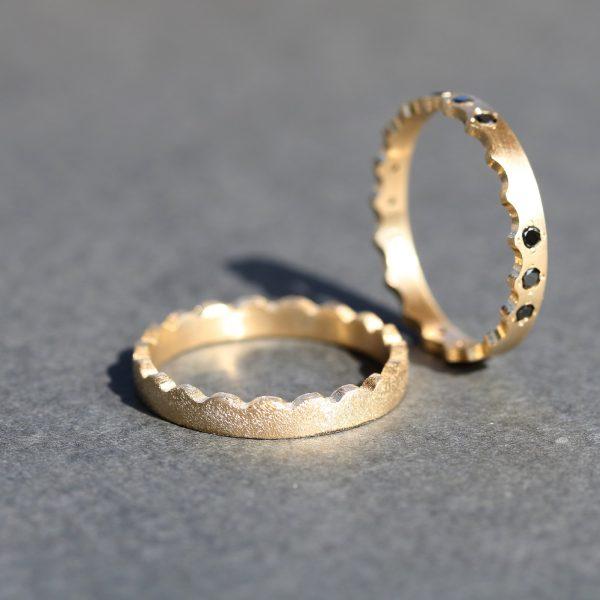 טבעת זהב צד גלי