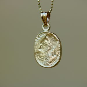 תליון זהב מטבע רומי